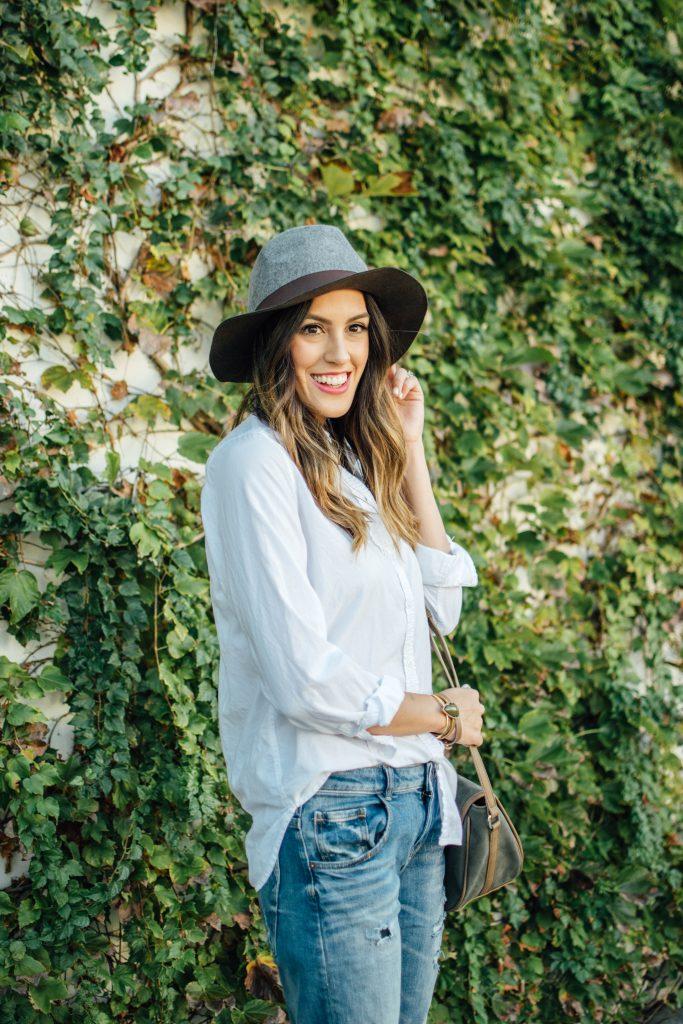 stylewatchxcc, boyfriend jeans, felt hat, brown booties