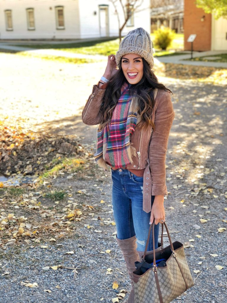 Style The Girl Flannel Scarf Fall Outfit in Utah
